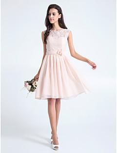 Lanting Bride Knee-length Lace Bridesmaid Dress A-line Scoop Plus Size / Petite with Flower(s) / Lace